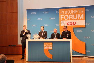 Das Podium beim Zukunftsforum Ehrenamt