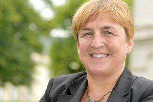 Dr. Esther Niewerth-Baumann