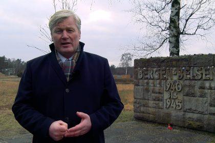 Bernd Althusmann bei einem Besuch in der Gedenkstätte Bergen-Belsen